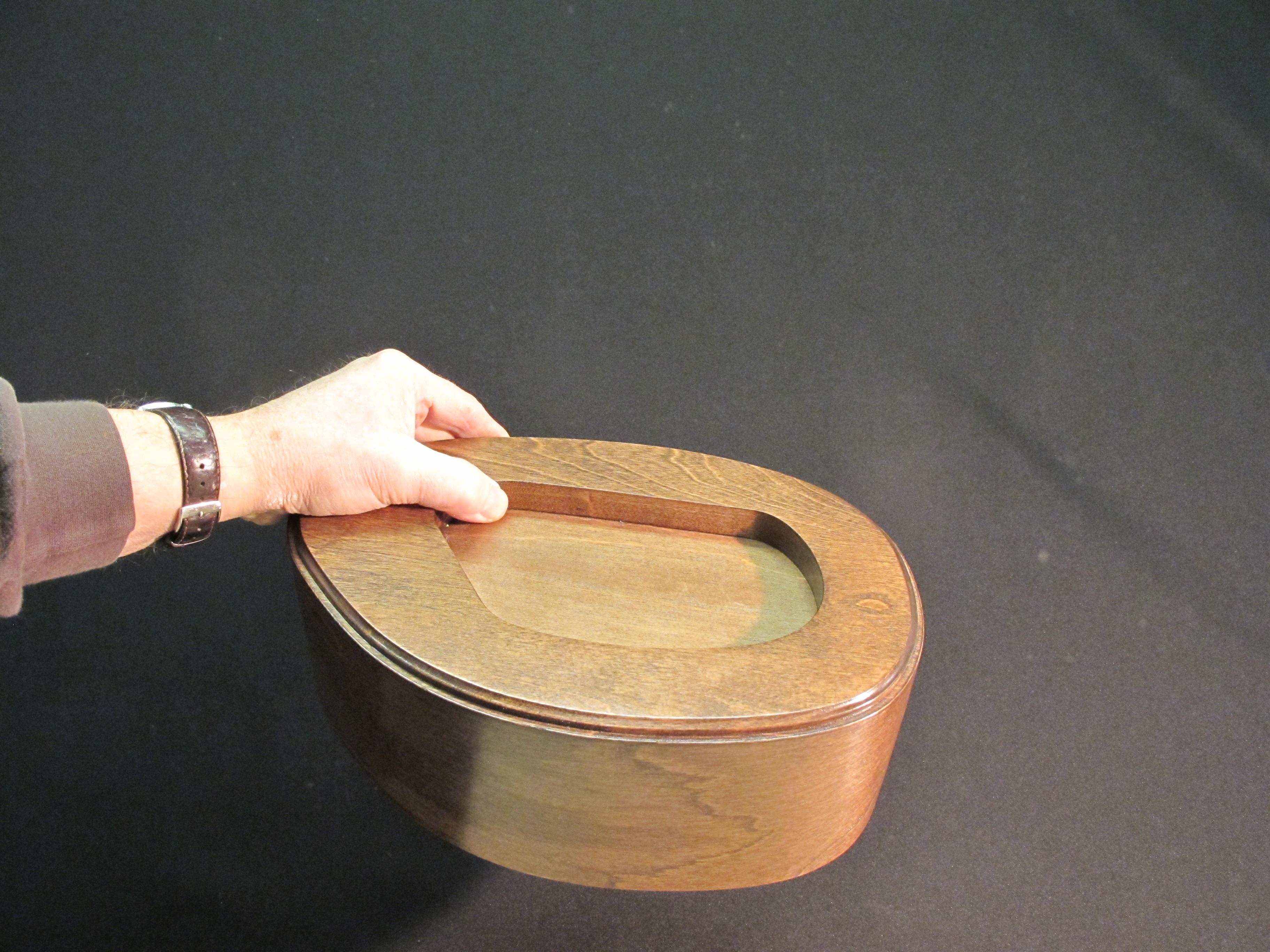 Urne en bois pour contenir les cendres $$335.